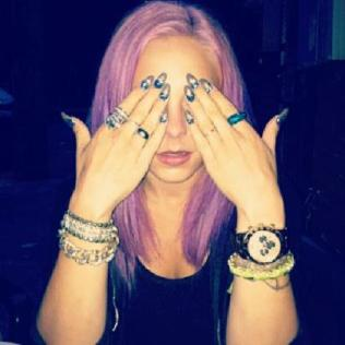 """""""The gaudiest bxtch you know #getgrapejuicy #armcandy #getgrapejuicyaccessories #emeraldgang #scizzorsquad 